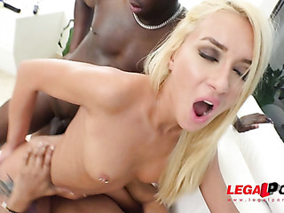 blonde babes getting fucked