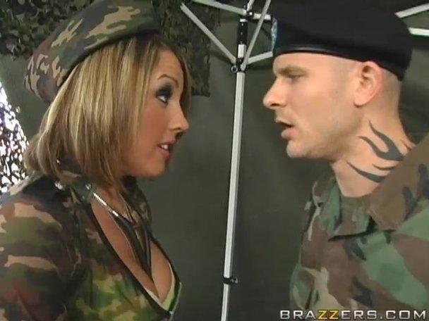 Teen blonde booty porn