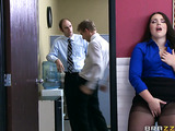 Chubby office slut gets ruthlessly thoroat-fucked