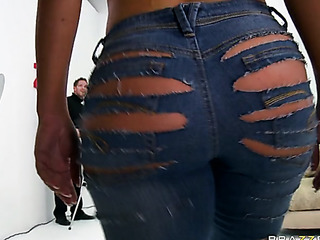 ripped jeans blone hottie