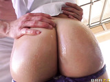 Round booty blonde gets fucked from behind
