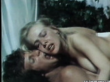 Busty blonde in black stockings gets her hairy cunt and tight brown hole doublepenetrated during fmm on the white bed