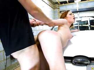 redhead babe sucking businessman