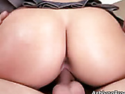 babe gets her pussy