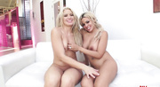 two hot blondes show