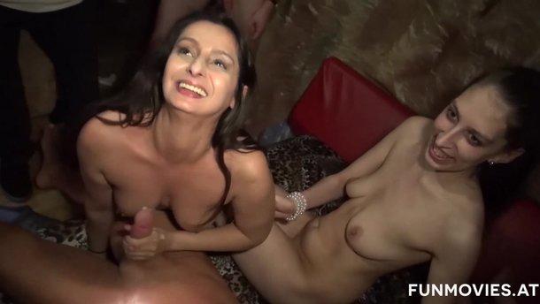 Chcem ďalšie videá, prosím. Tieto stránky obsahujú sexuálne explicitný.
