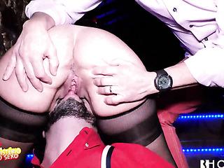 gloryhole-like sex scene club