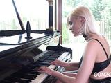 Playing piano before hard fuck
