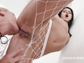 leabian ass licking close