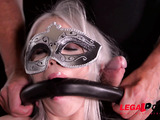 Masked gal's extreme dildo play and anal fuck