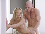 Blonde american milf fucked rough in doggystyle
