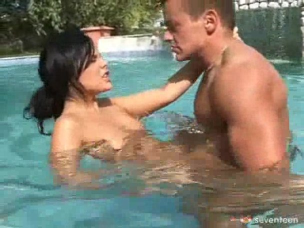 fucking nude in swimming pool