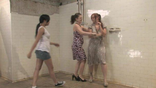 golden girls shower piss