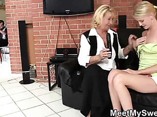 dildo play with her