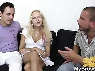 boyfriend finds her cheating