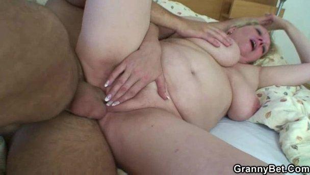 Granny fuck big dick