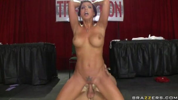 pussy stretched to the limit porn