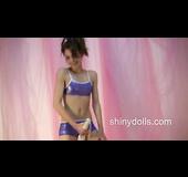 Lola dancerbating