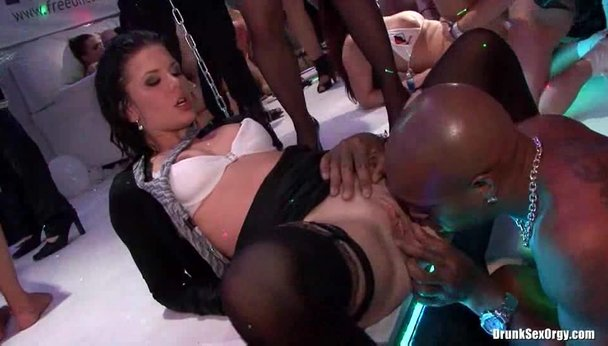 Drunk sex party at the college - Porn Video at XXX Dessert Tube