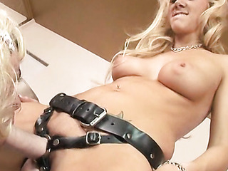 blonde mom pounds her