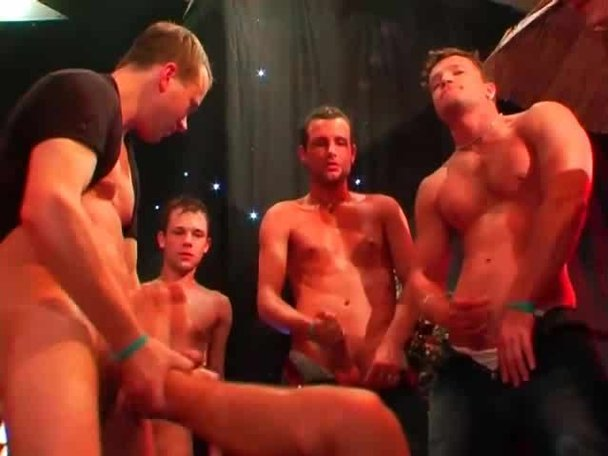 Guy porn clubs shows