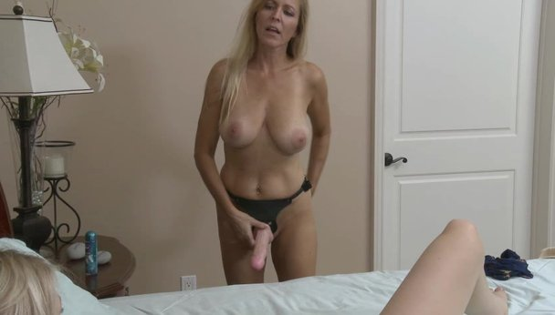 Blonde mom Porn Tube