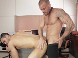 Horny dude in a shirt and tie calls his assistant to have dirty gay fucking in his office