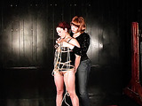 Two ginger sex-bombs find a way how to play using ropes