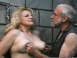 Fat mature with likes to attract pervert's attention