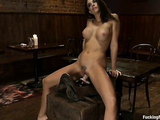 brunette with trimmed pussy