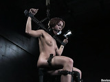 It's good time to try extreme sex in bondage for young brunette lady
