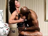 Horny single mom gives an erotic blowjob to her black fuckbuddy