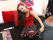 webcam brunette model grabbing